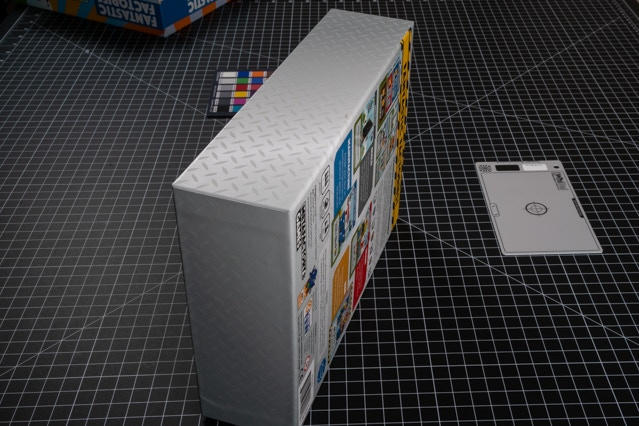 Box Bottom under normal lighting