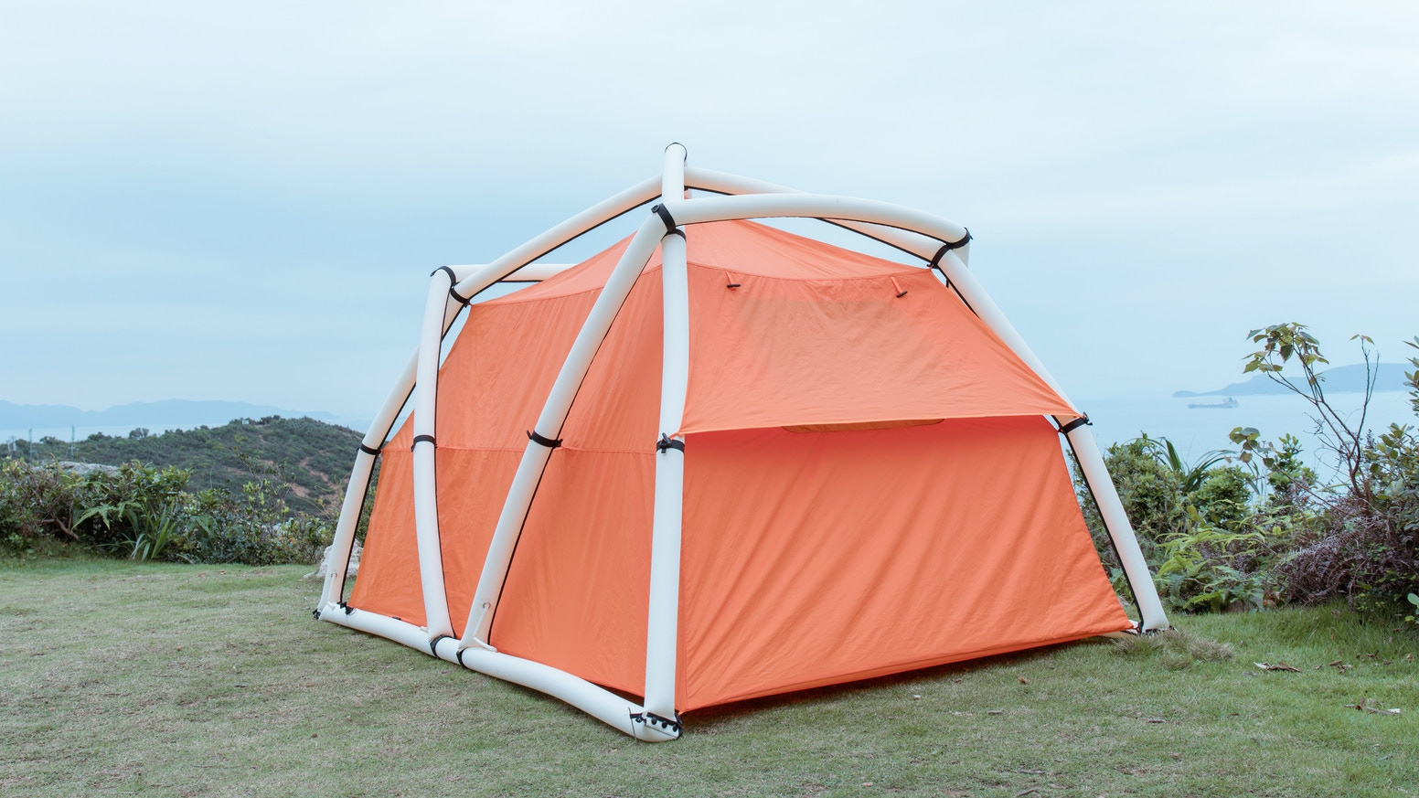 1-Minute Setup |  1-Minute Pack up |  Patented Inflatable AirFrame | Geodesic Structure | Super Light