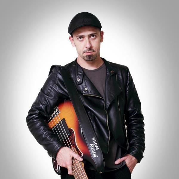 Carlos Orozco.
