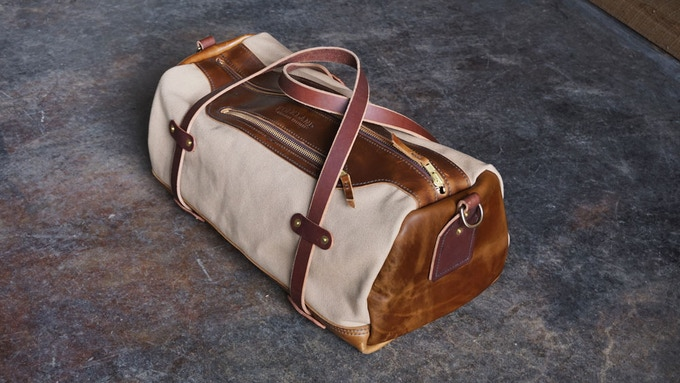 Weekender in Field Tan