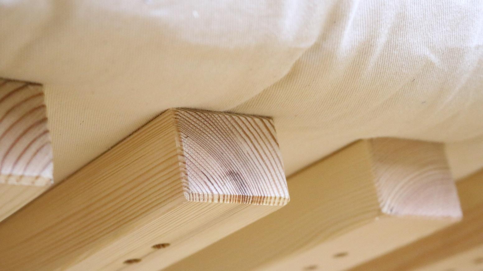 Un lit 100% naturel, sans métal, sans produit chimique, montage en moins de 5 minutes, s'adapte facilement à toutes les tailles