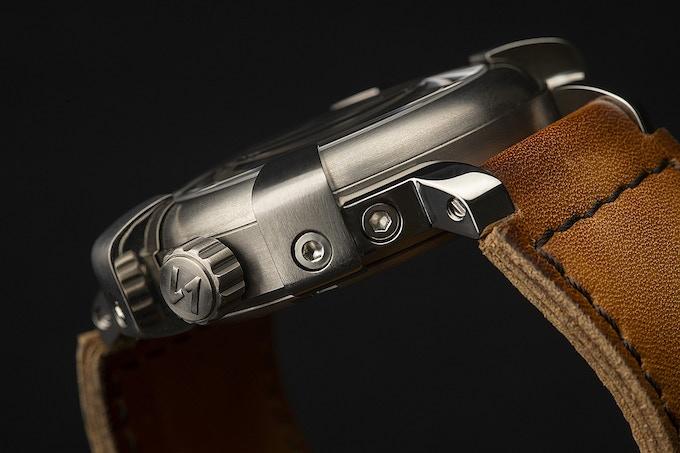 Strong case 44mm - Titanium