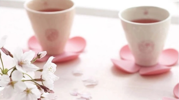 Silicone flower-shaped coasters