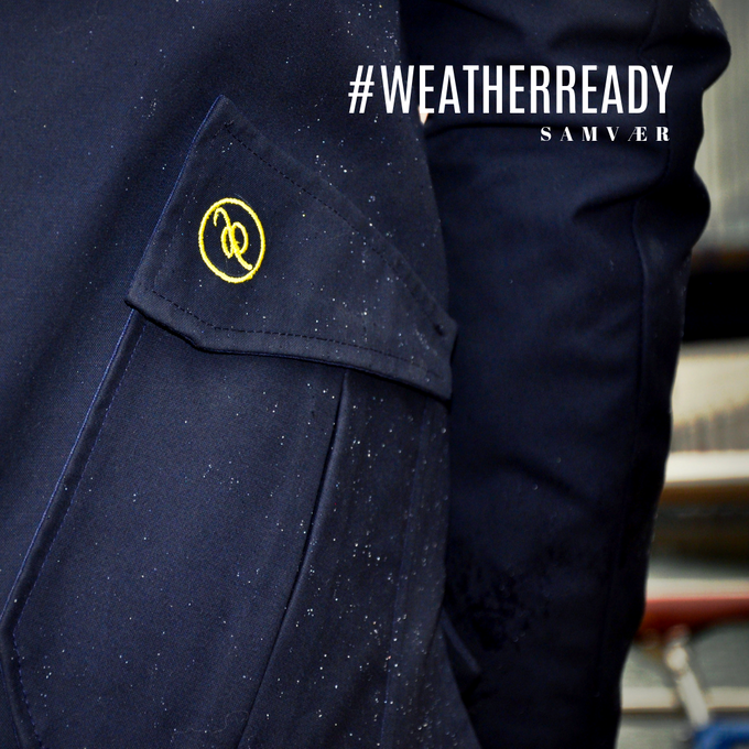 Be weather ready with the water resistant waxed cotton