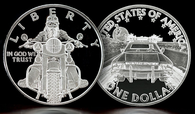 Solid Silver Midnight Rider - One Troy Ounce of solid .999 pure silver. Will be shipped to you with a numbered authenticity card and will be delivered in a lucite capsule enclosure.