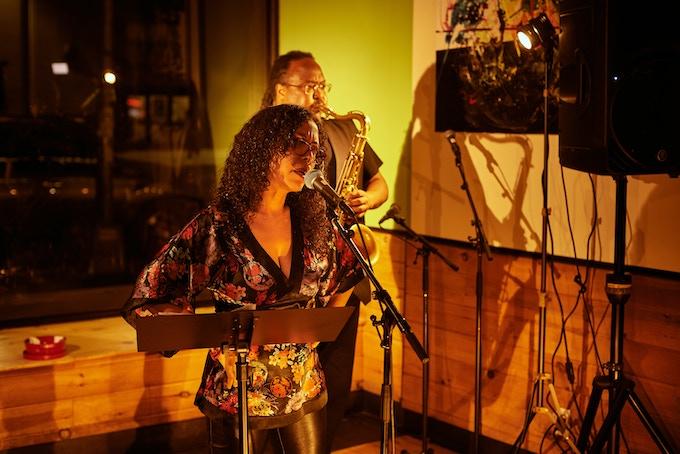Om Grown Variety Show, Mariposa Fernandez & Ras Moshe, Photo by Cristobal Vivar