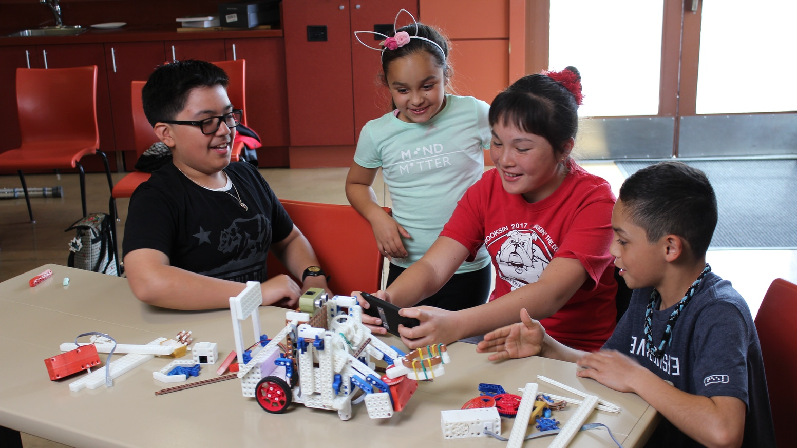 Revolution Robotics Challenge Kit: Develops STEM Superpowers
