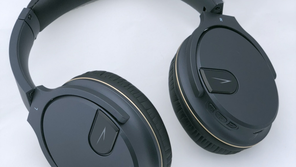 Project image for Solitude Active Noise Cancelling Headphone - reduce noise