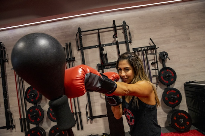 Commando: A Portable Punching Bag That Can Hit Back by