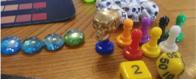 The Zombie King in gold. The other skulls are for other players who turn into zombies.