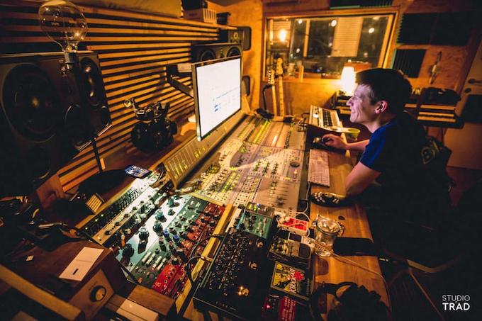 Jeroen Geerinck at Studio Trad