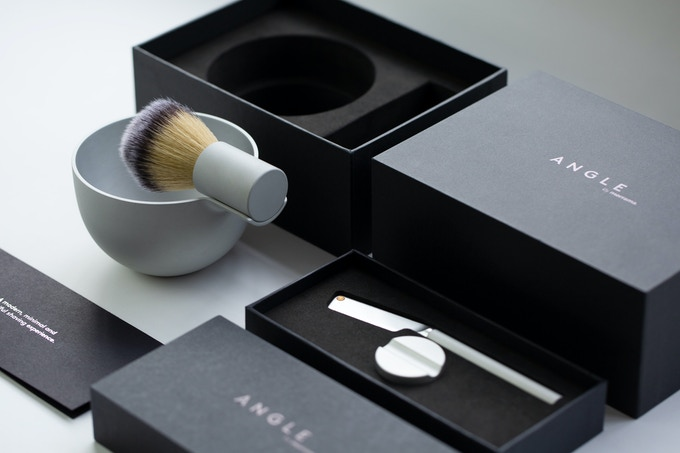 The Earlybird Angle Razor, Brush and Bowl complete kit.