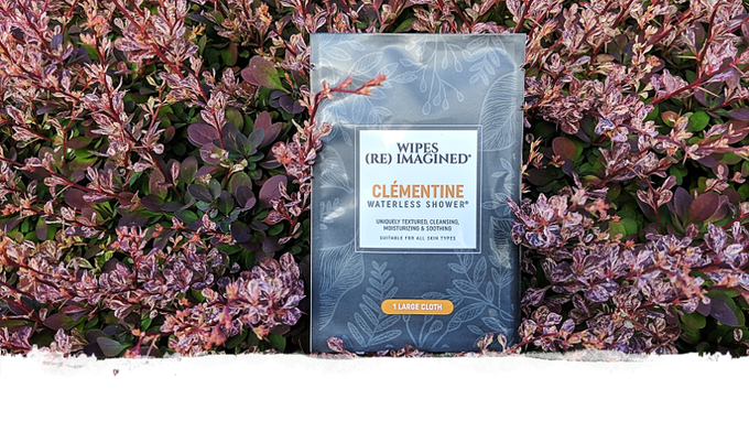 Clementine features earthy and woody citrus with key notes of fig, lemon oil, cardamom, mandarin, cedarwood and musk.