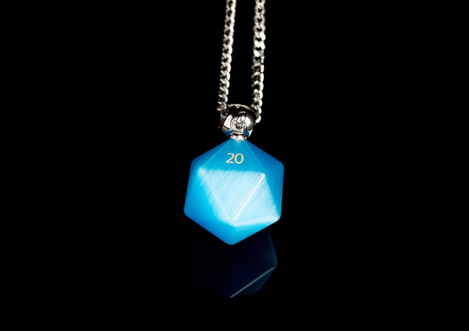 "Cats Eye Aquamarine D20 Necklace on 23"" Stainless Steel Chain"