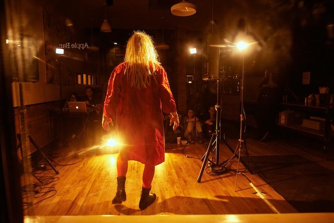 Om Grown Variety Show, Victor Verhaeghe, Photo by Cristobal Vivar