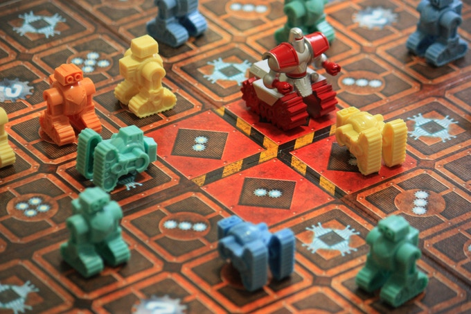 And action ! Chaosbot put some Robots down one turn.