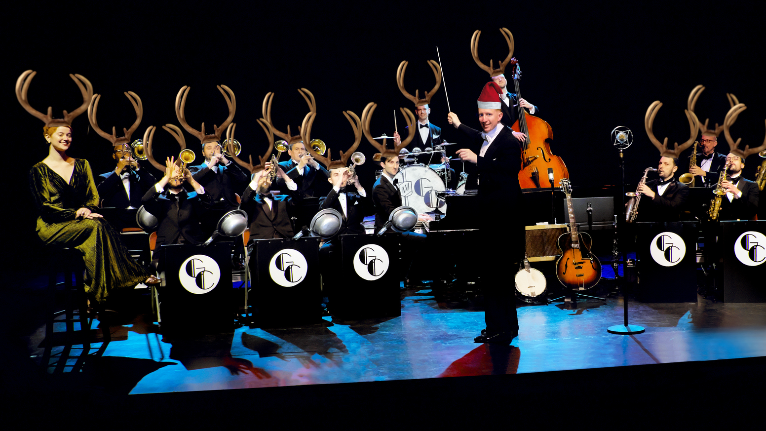 A swinging big band holiday album from the Glenn Crytzer Orchestra with 11 new Christmas songs and 9 new arrangements of classics!
