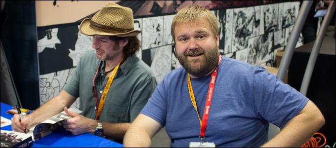 Tecknaren Charlie Adlard (till vänster) och skaparen och författaren Robert Kirkman.