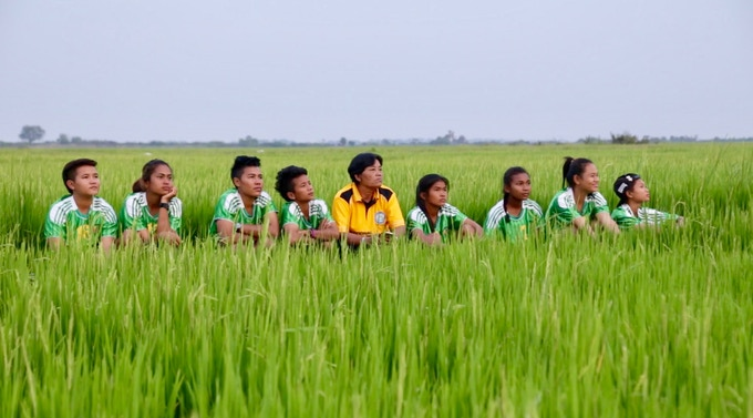 The Lotus Sports Club football team in Kampong Chhnang.