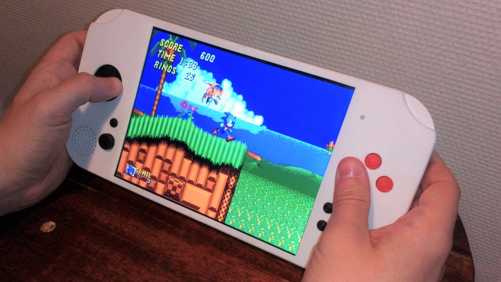 Project image for Portable Retro Game Console with a big 7.9-inch display