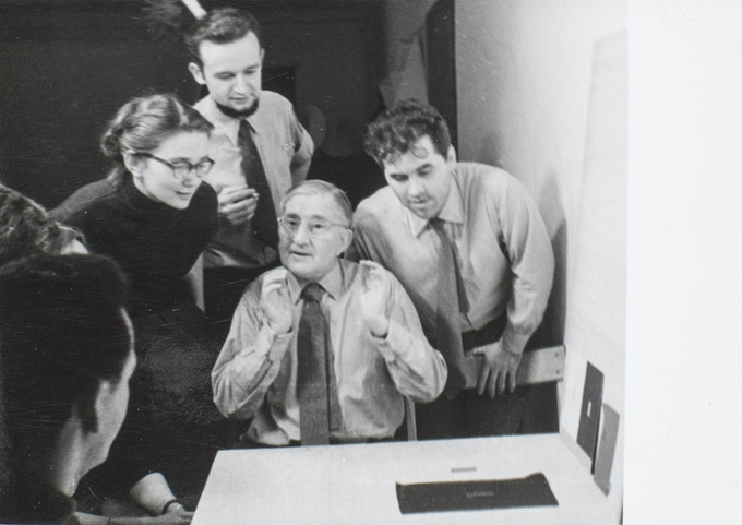 Josef Albers with Otl Aicher (right) and students (Christel Sztankovitz and Helmut Müller-Kühn) at the set of the unpublished film by Martin Krampen about Albers' preliminary course, January 1954.