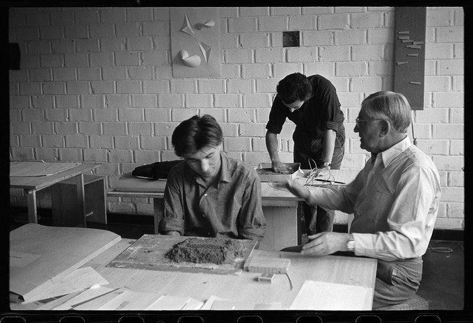 Josef Albers with students (Herbert Lindinger and Francisco Bullrich) in his second preliminary course, 26 July, 1955.