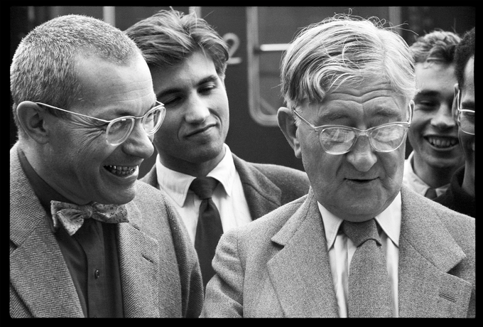 Max Bill with students Herbert Lindinger, Peter Seitz and Almir Mavignier da Silva saying goodbye to Josef Albers at the Ulm train station, 2 August, 1955.
