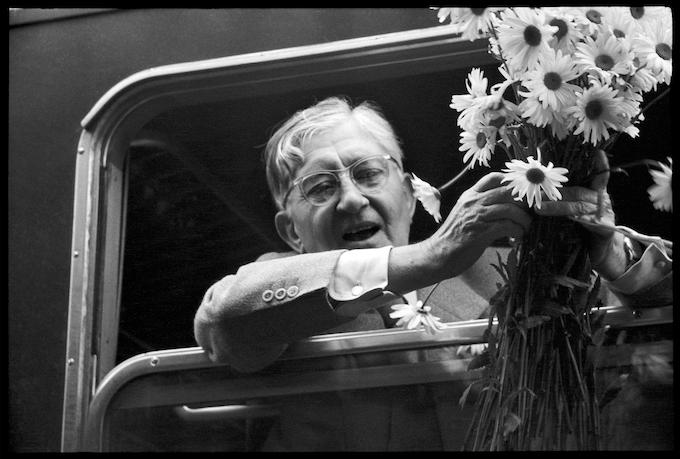 Josef Albers in the train leaving Ulm, 2 August, 1955.