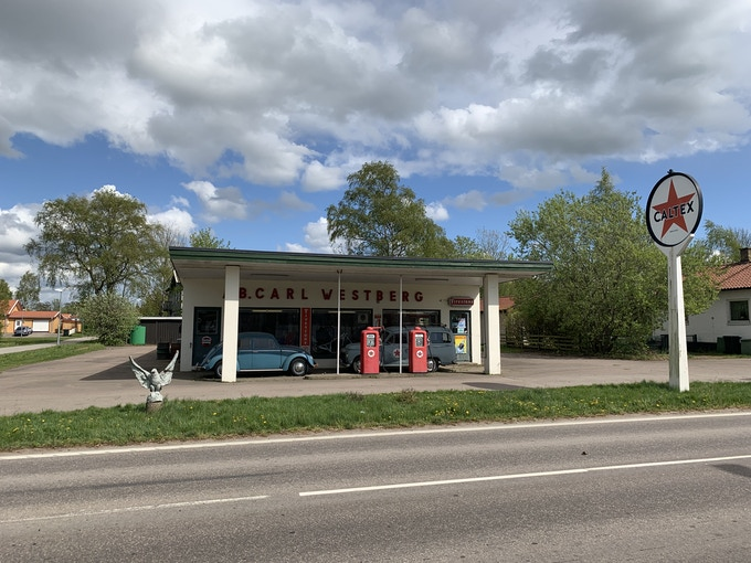 Gas Station from 1930 booked and ready!