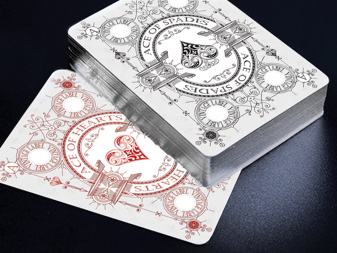 Visualisation of a Silver Gilded Private Reserve White Deck (Available in this Kickstarter).