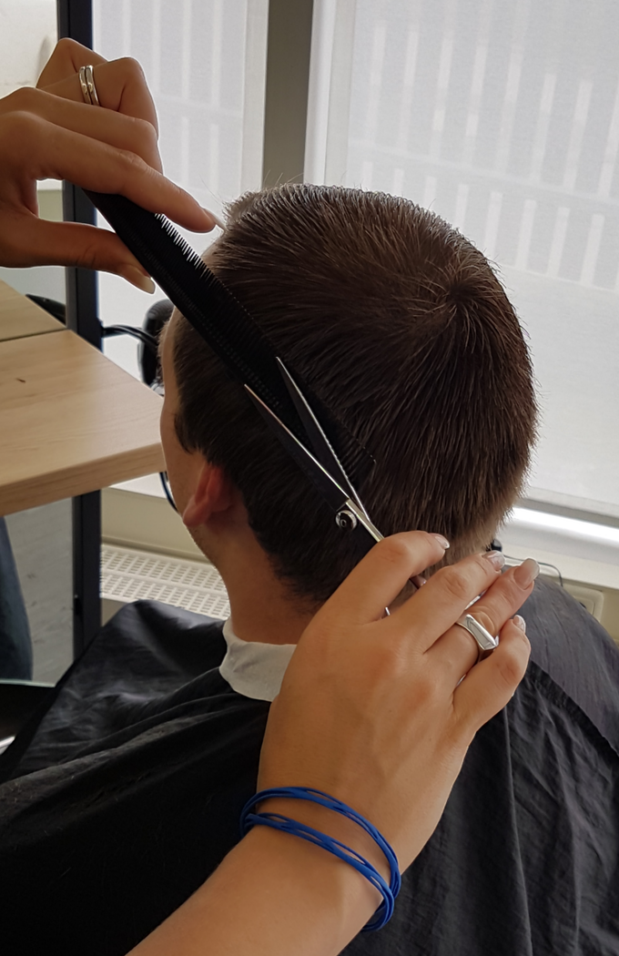 Real-life test by a hairdresser for 5 weeks