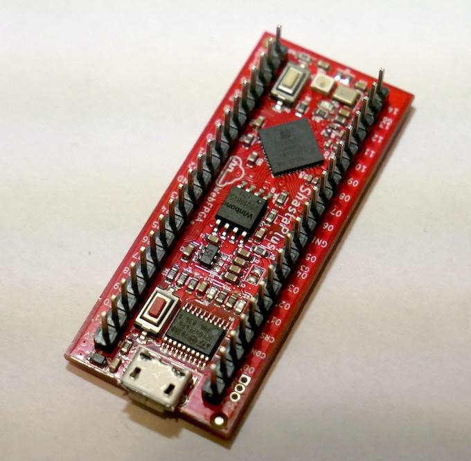 FPGA Device; 32 GPIOS and 5,280 Logic Cells
