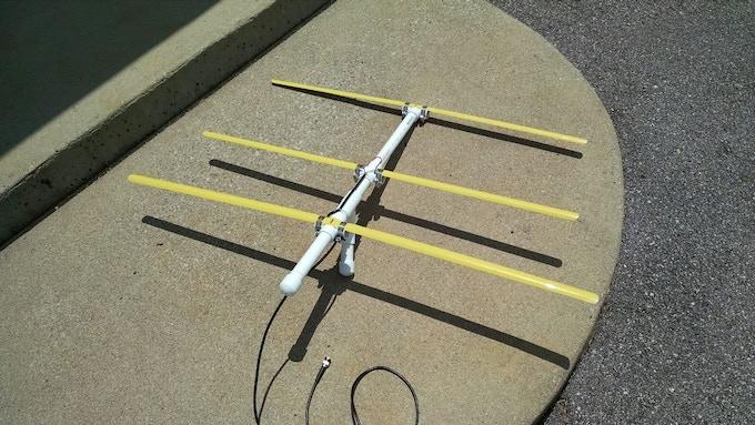 DIY Yagi Antenna [Instructables.com]