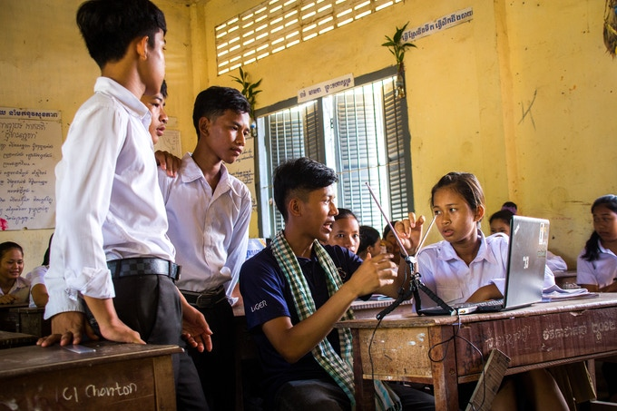 LigerSat Team member Vuthy showing local students how to download satellite images!