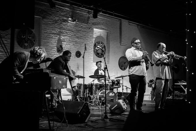Daniel Carter, Patrick Holmes, Matthew Putman, Hill Greene, Federico Ughi, Forward Festival 2018 (photo by Tobias Wilner)
