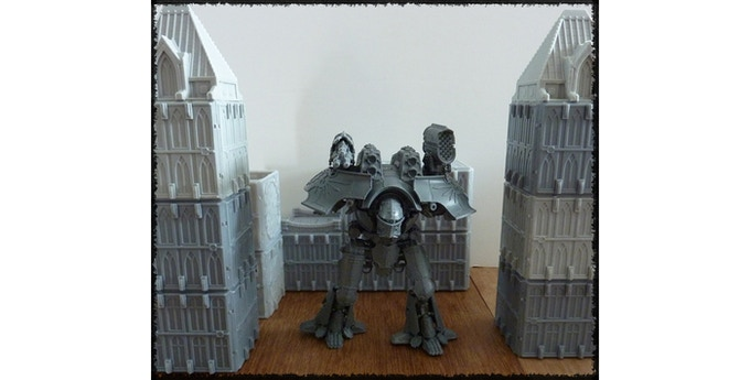Games Workshop (TM) model shown for size comparison purposes only.