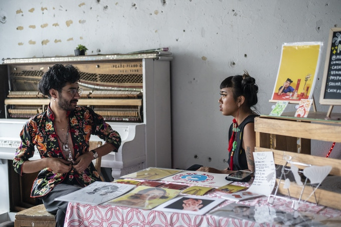 2018 Art Market vendor Monyee Chau and Market Organzier Alexis Silva. Photography: Cameron Fletcher.