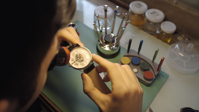 Every Bel2c Watch must pass the quality control before comes to you