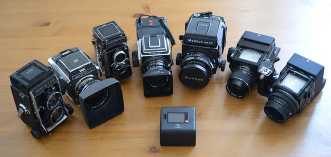 Mamiya C330, Zenza Bronica S, Rolleiflex Automat, Hasselblad, Mamiya RB67, Mamiya 645, Bronica Etrsi...and others...
