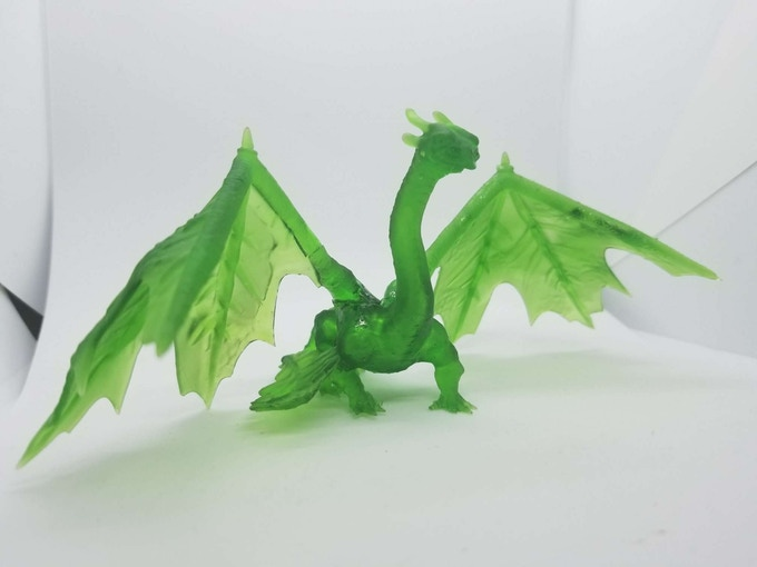 Huge sized leaf dragon, wings are split to make it easier to print and to allow it to print on smaller resin printers.