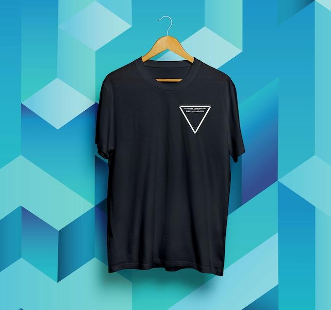 T-shirt Mock-up : FRONT