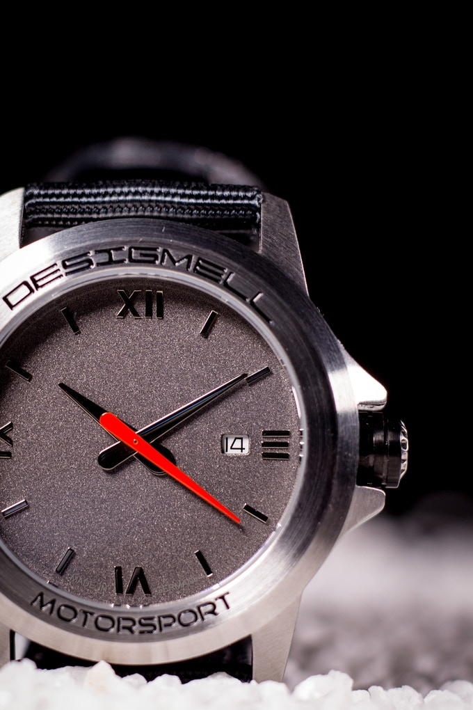 Our hand is inspired by a Speedometer-Pointer