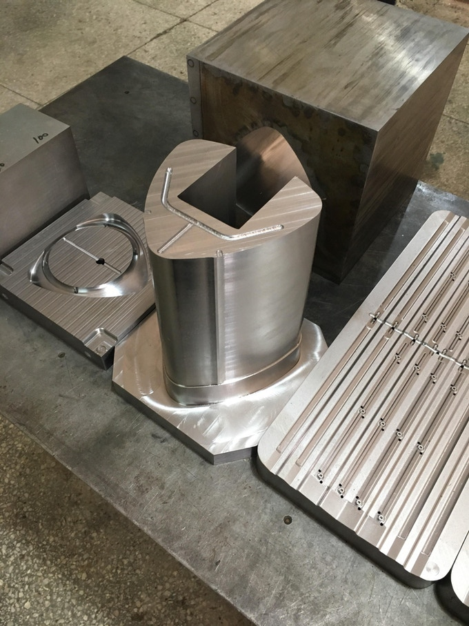 Main Compartment Mold