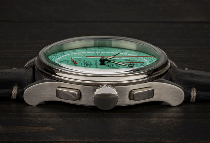 Final case and bezel design - side view (Comet Chronograph)