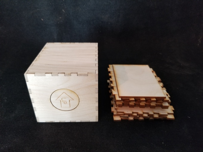 This image shows the kit AND the assembled box for reference.