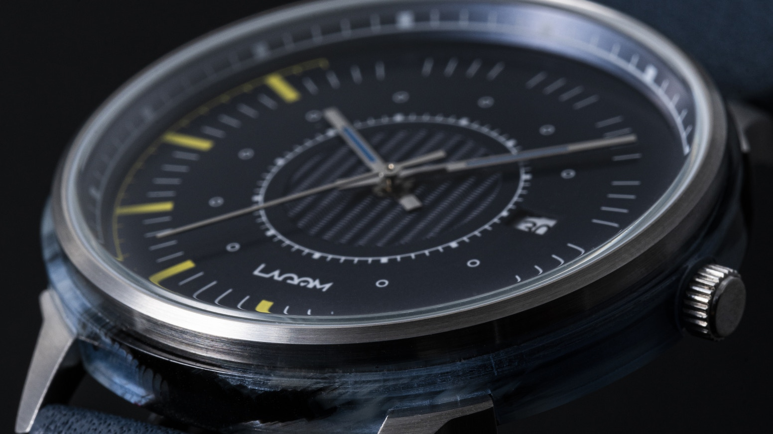 A watch with a uniquely patterned acetate outer case; spreading our balanced, fuss-free life philosophy to the world – LAGOM Watches