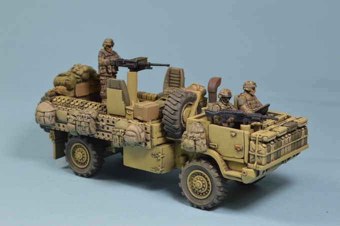 VEH-018 Warpig, does not come painted, It does come with the three man crew.