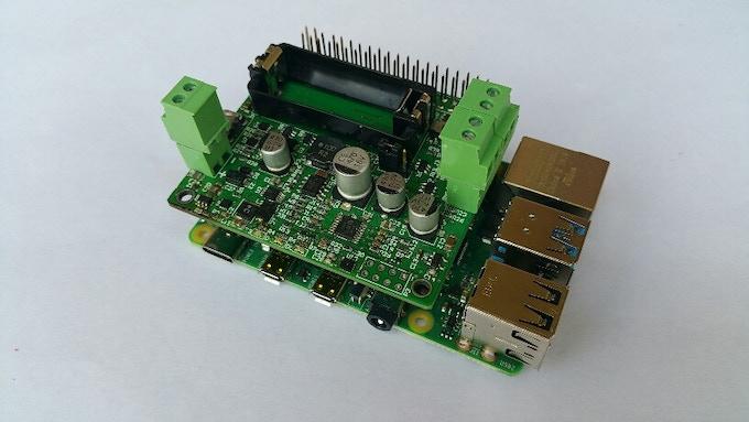 Pi16340 SMART UPS HAT with Raspberry Pi 4