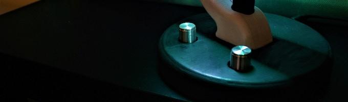 Aluminum dials provide color and motor control