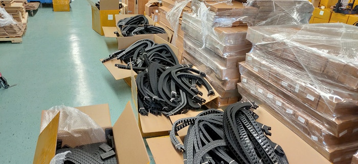 400 sets of drag chains packed